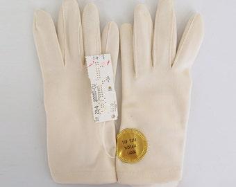 NOS Beige Nylon Simplex Shortie Gloves - Unused - One Size