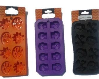 Silicone Ice Cube Trays - Spiders and Webs Skulls and CrossBones Skulls fnt