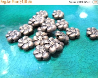 50% Off 32 pcs of Antique Silver plated pewter Puffed Flower Beads with 6 swirled petals, side drilled MB 043