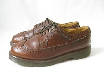 Vintage DOC MARTEN Brown Wing Tip Oxfords. Size 8 UK// Size 9 Men's U.S.// 11 Women's U.S.
