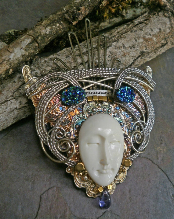 Gothic Steampunk Queen Pin Pendant Brooch Part 1