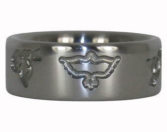 Peace Ring with Engraved Doves in Titanium