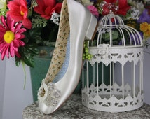 Diana.. Low Heel Wedding Shoes, Ivory Satin Wedding Shoes . Vintage Stye Shoes . Ivory Satin Bridal Pumps . Dyeable Satin Bridal Pumps