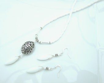 NEW IN - SET - White & Silver Filigree Focal Necklace and 2 Pairs of Earrings