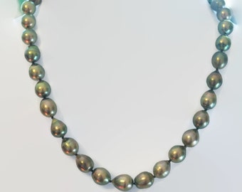 Silvery Green Tahitian Pearl Strand