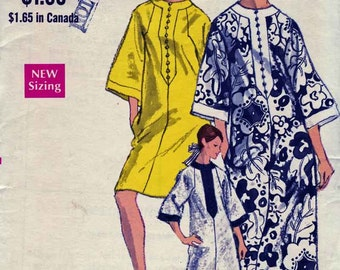 1960s Vogue Dress Pattern 7295 A-Line Dress in 2 Lengths has Raglan Sleeves, Pockets, 3 Quarter Length Sleeves  Sz Large Bust 32-40