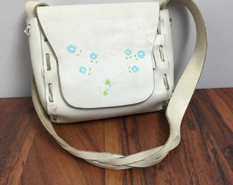 Vintage BOHEMIAN Purse • 1960s Leather Purse • White Leather Structured Handbag Medium Hand Stitched Floral Painted Small Shoulder Bag