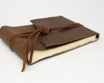 Classic Leather Photo Album / 4 x 6 photos / holds 30 photographs / Photo Corners included