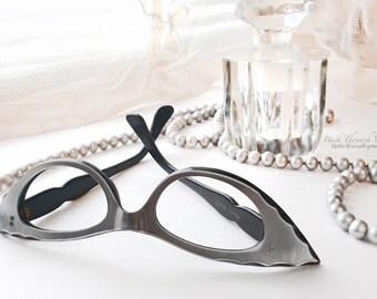 50's Extreme Eccentric French Slim Winged Wing Cat Eye Glasses Silver Grey Scalloped Eyeglass Frames France Vintage