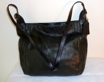 Cee Klein hobo satchel, cross body bag purse in thick  quality  pebbled genuine black leather early 80s pristine vintage condition