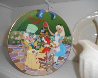 1996 Christmas Disney's Alice in Wonderland Christmas in Wonderland Porcelain Plate