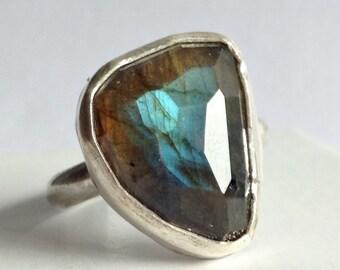 Blue Labradorite Ring - Size 8 Labradorite Ring - Rose Cut Labradorite Jewelry - Modern Bohemian Jewelry