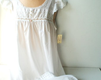 Victorian style vintage 80s white cotton blend, maxi night gown with a lace, embroidery, pearl,  pin tack. Made by Night flowers.  Size S-M.