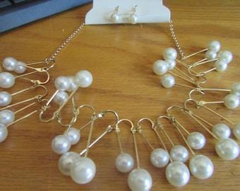 pearl u bib
