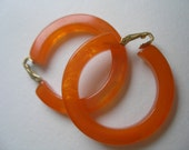 Large Thick Vintage Hoop Swirl Marbled Tangerine Citrus Jelly Bakelite Clip Earrings