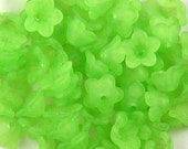 CLEARANCE Acrylic Bead 60 Bell Daisy Flower 5-Petal Green Frosted 13mm x 7mm (1015luc13-33)os