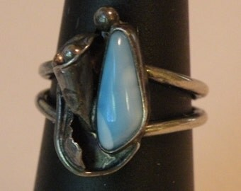 Flower Motif and Blue Stone Sterling Ring size 6