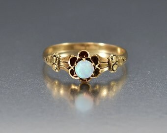 Victorian Opal Ring, Opal Engagement Ring, Gold Antique Engagement Ring, Alternative Wedding Ring, Victorian Ring, Antique Jewelry