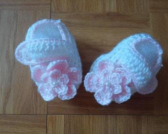 Baby Girl Infant White and Pink Crochet Booties Photo Prop Baby Shower Gift  10001