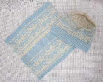 Hand Knit Classic Set - Wool Beanie Hat and Neckwarmer/Scarf - Nordic Fair Isle / Snowflake