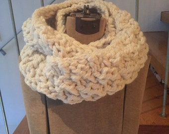 NEW DESIGN Bobble Cowl