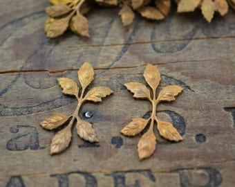 Brass Leaf Stamping Vintage Brass Stampings Leaf with Patina (2)