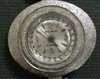 DORIC Wind Up Wrist Watch 1950s Working
