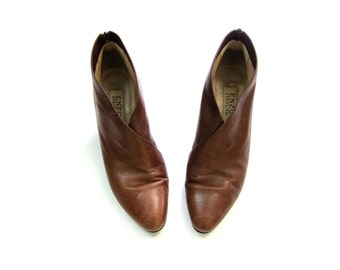 Brown Leather Zip Up Boots ENZO ANGIOLINI Pointy Toe Ankle Booties Leather Pumps 90s Low Heel Booties Womens 7.5 or 8 Narrow