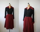 1940s vintage dress / 40s buffalo check dress / 40s new look dress / 40s holiday christmas dress / 40s black and red dress / size med 28w