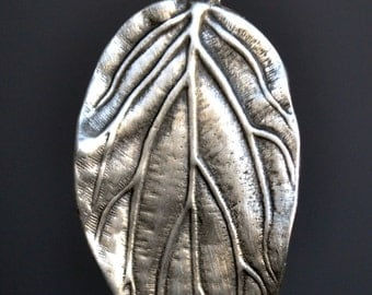 Elf's Leaf Pendant Necklace Jewelry in Fine Pewter by Treasure Cast Pewter