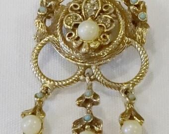 Beautiful Victorian Style Pin