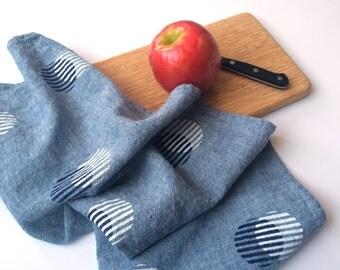 Stripe Circle Towel : Chambray Ground - Navy/White Print