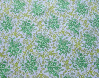 Free Shipping! Vintage Floral Print in Green and Chartreuse. 1/2 Yard. 16175