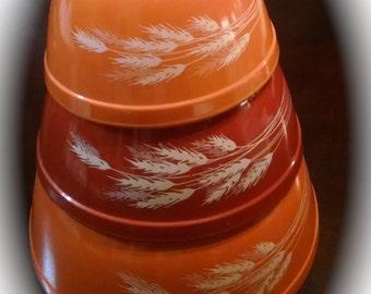 Pyrex Bowls / Vintage Pyrex Bowls / Autumn Harvest Wheat / 3 Piece Pyrex Set / Nesting Bowl Set / Retro Mixing Bowls / Retro Serving Bowls /