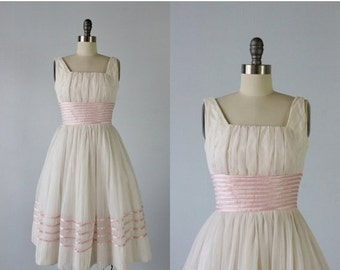 SALE Vintage 1950s Dress / 50s Formal Dress / Party Dress / Pink and White / Ballet Slipper