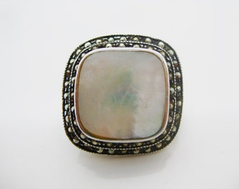 Size 6 1/2 Vintage Sterling Silver White Mother of Pearl Marcasite Ring