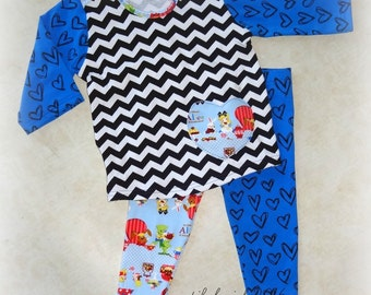 Alice in Wonderland Lap Tee and  Leggings - Size 12- 18 months - INSTOCK - SALE
