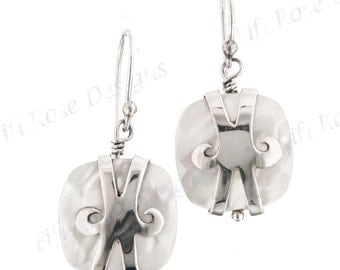 """11/16"""" White Mother Of Pearl Shell 925 Sterling Silver Earrings"""