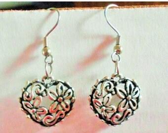 2 DAY SALE Vintage Heart Flower Earrings, Pierced Ears, Silver Tone Black