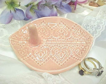 Oval Ring Holder - Sweet Heart Design - Tea Rose Pink Glaze - Jewelry Tray - Ready to Mail