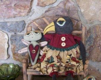 Prim FolkArt Garden Black Crow Art Doll Caterpillar  Dragonfly Doll Set Friends ofg hafair faap