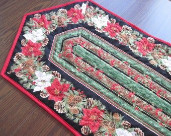 Quilted table runner Holiday Christmas poinsettia pine cones Quiltsy Handmade