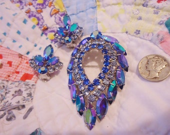 Exquisite Vintage Retro Sarah Coventry Dripping Aurora Borealis Blue Rhinestones Brooch and Clip Earrings
