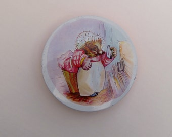 Mrs Tiggywinkle Mid Century Biscuit Tin Huntley Palmers England