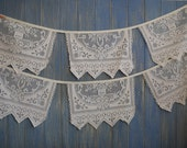 Vintage Linen Bunting. Wedding Bunting. A beautiful 4m strand made out of gorgeous square doilies.
