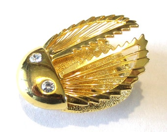 Monet Spinneret Beetle Pin