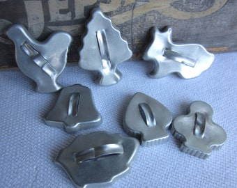 Vintage Cookie Cutters Metal Country Rustic Kitchen Chicken Rabbit Bell Leaf