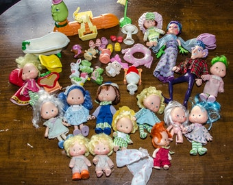 Lot of Vintage 1980's Strawberry Shortcake Dolls, Pets and Accessories
