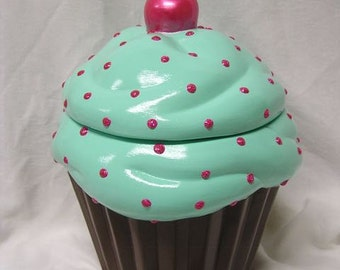 Mintaliscious 3-D Sparkeling Raspberry Candy Dot Cupcake Jar
