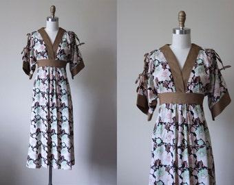 70s Dress - Vintage 1970s Dress - Kimono Bow Sleeve Black Floral Tunic Tent Dress S M - Delicata Dress